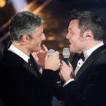 Sanremo 2020, Tiziano Ferro e Fiorello: pace, duetto e bacio in bocca