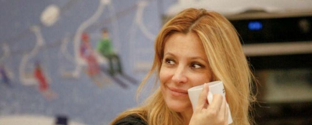 Grande Fratello Vip, Adriana Volpe ringrazia i concorrenti dopo l'uscita dalla casa