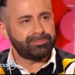 Vieni da me, Luca Tommassini e la scritta omofoba sul citofono: 'Mi sono vergognato di quel che sono'