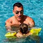 Costanza Caracciolo alla figlia Isabel: 'Abbiamo affrontato un momento così importante da sole, senza il tuo papà'