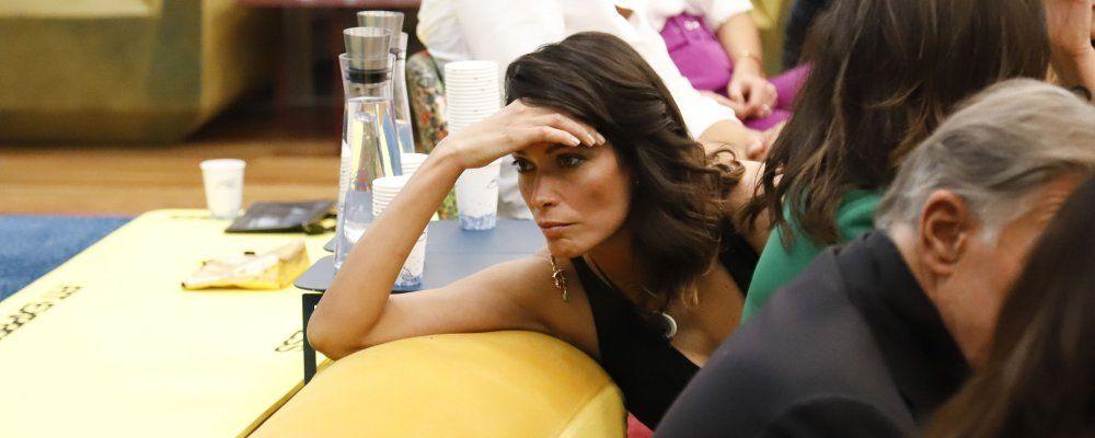 """GFVip 2020, Fernanda Lessa e la """"negatività"""" di Antonella Elia. Signorini: 'Con Mia Martini è partito tutto da lì'"""""""