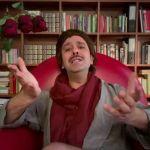 """Checco Zalone come Domenico Modugno: """"Arriverà l'immunità di gregge"""""""