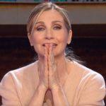 La vita in diretta, Lorella Cuccarini e la gaffe su Luca Argentero: 'Ma sei sicura?'