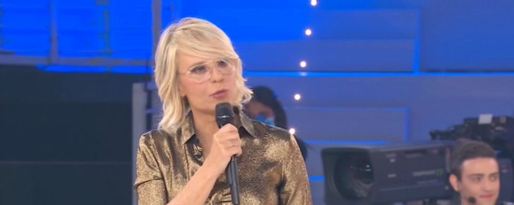 Amici Speciali prima puntata, Maria De Filippi sblocca 30mila tamponi per il Coronavirus