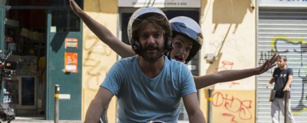 A Napoli non piove mai: tre diverse sindromi per il film di e con Sergio Assisi