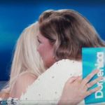 """Romina Power in lutto per la sorella Taryn, l'abbraccio di Mara Venier: """"Non mi importa dei divieti"""""""