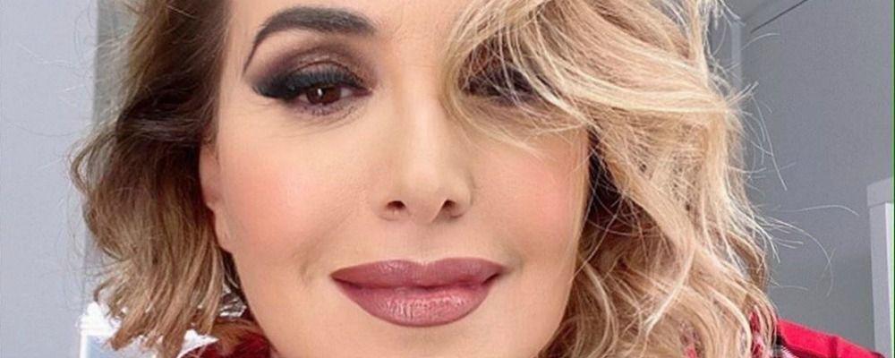 Barbara d'Urso ustionata: 'Costretta ad andare in onda così'