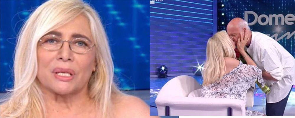 Mara Venier in lacrime per la sorpresa del marito Nicola Carraro nel giorno dell'anniversario