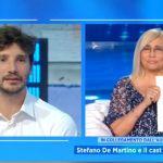 """Stefano De Martino e lo scherzo a Mara Venier: """"Questa ironia mi piace"""". E attacca Ippoliti e Timperi"""