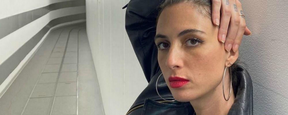 Ema Stokholma molestata: 'Mi hanno ripreso le parti intime col cellulare'