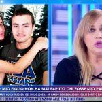 Lory Del Santo e il padre del figlio Loren: 'Ho aspettato, ma lui non è mai venuto' ma c'è un fratellastro