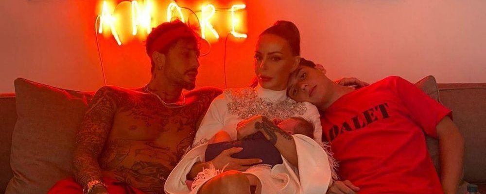 Fabrizio Corona e Nina Moric, foto di famiglia con Carlos: ma chi è il neonato?