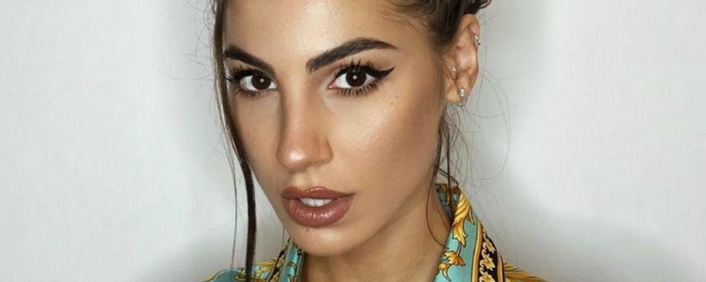 Giulia De Lellis e la foto con i segni dell'acne: 'Senza filtri è una storia diversa'