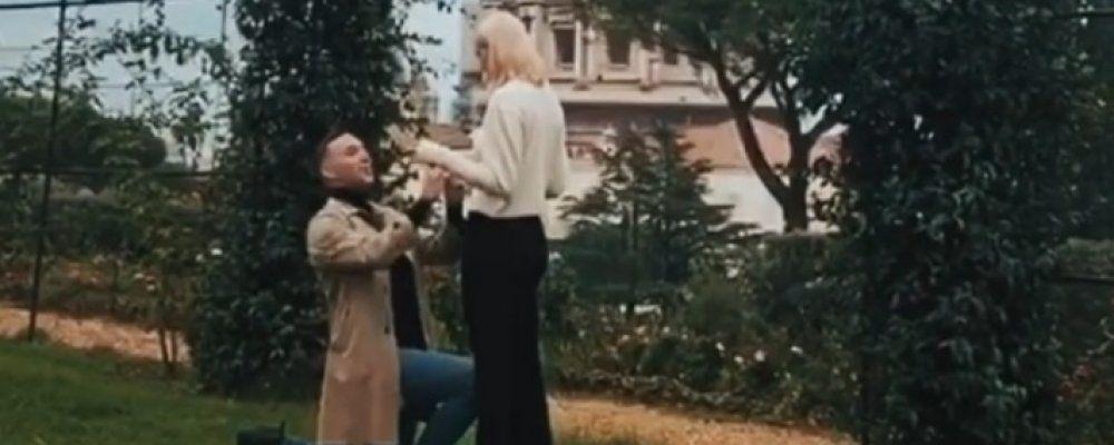 Briga si sposa, la fidanzata Arianna Montefiori ha detto sì