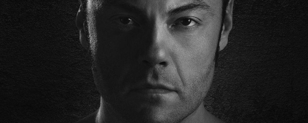 Ferro, trailer e poster del documentario dedicato a Tiziano Ferro