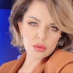 Alba Parietti da Barbara d'Urso per mantenere 3 ville? 'Era una battuta'