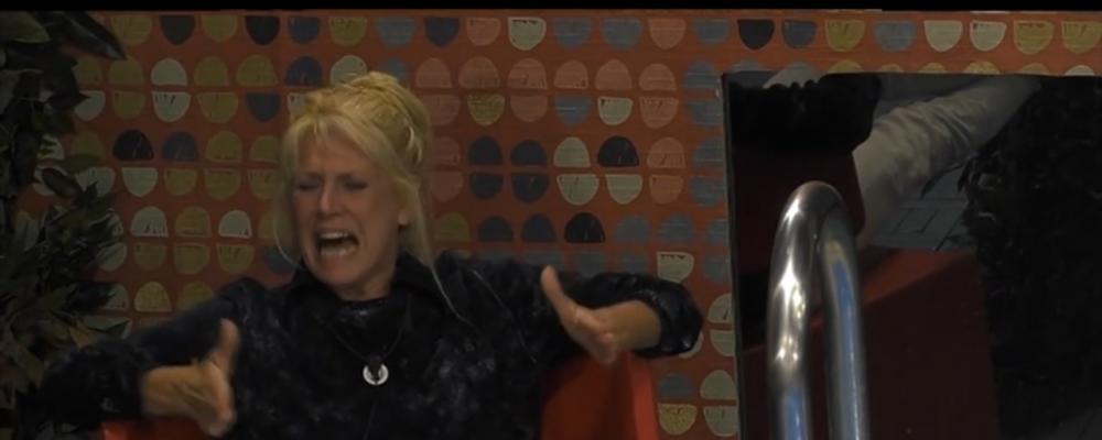 GFVip, Maria Teresa Ruta fuori controllo: 'Non ne posso più, mi sono rotta'