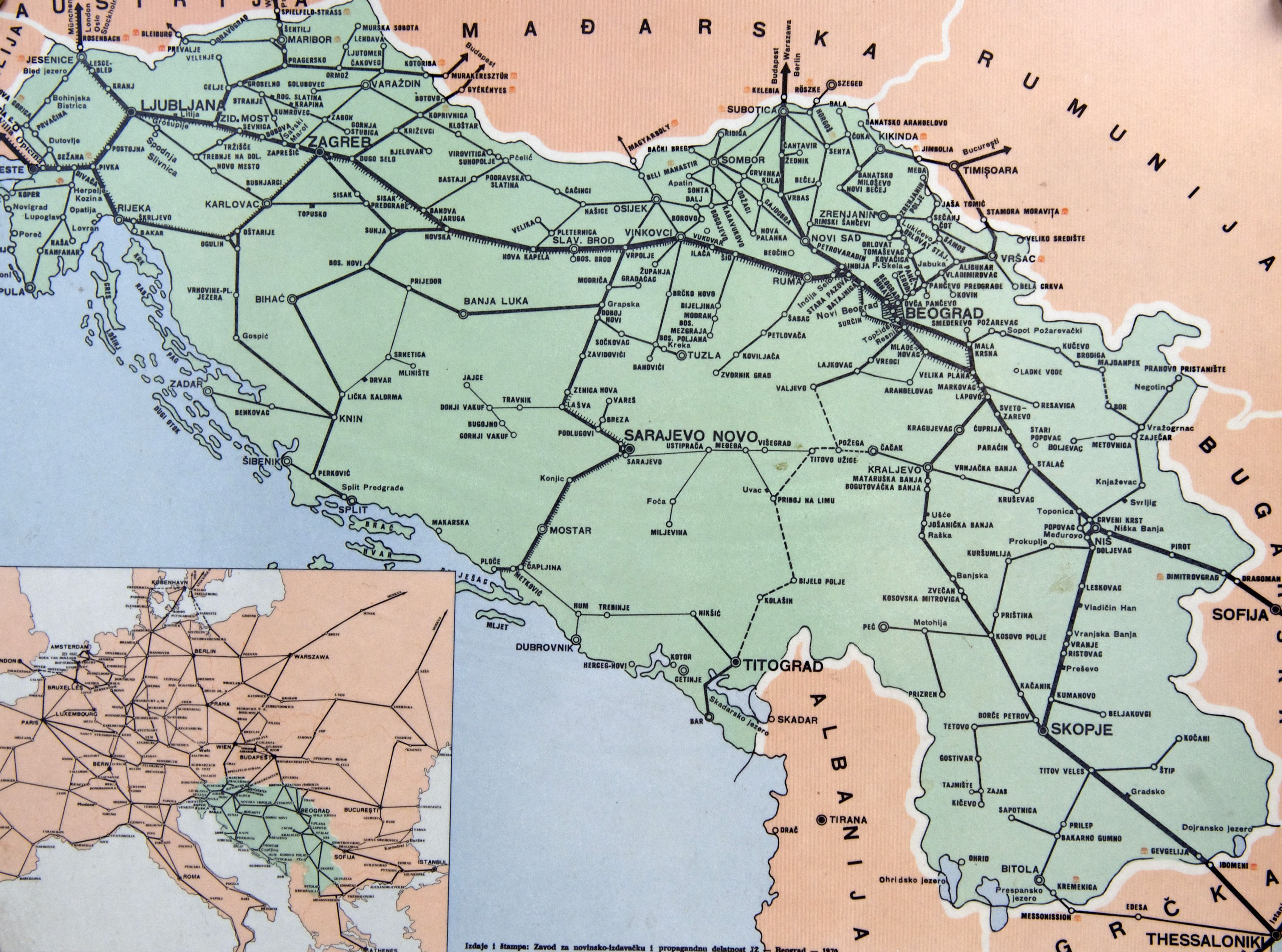 Mappa delle ferrovie jugoslave (Photo credit should read ANDREJ ISAKOVIC/AFP/Getty Images).