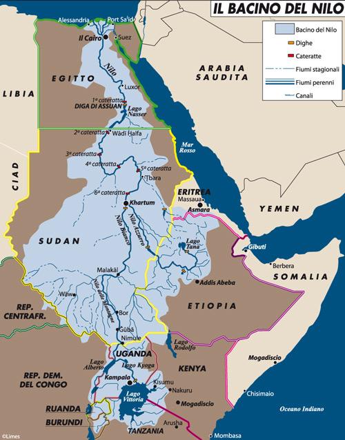 """Tra le conseguenze della caduta di Mubarak in Egitto c'è il riavvicinamento del Cairo ai paesi africani. Fondamentale sotto questo aspetto la risoluzione della partita del Nilo. La carta mette in rilievo il posizionamento di dighe, cateratte, fiumi stagionali, fiumi perenni e canali all'interno del bacino del grande fiume africano.Carta di Laura Canali tratta da Limes 1/2011 """"Il grande tsunami"""" 09/03/2011"""
