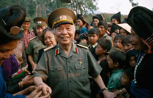 """Il generale Giáp e la """"sortita fallita"""" dei francesi in Vietnam"""