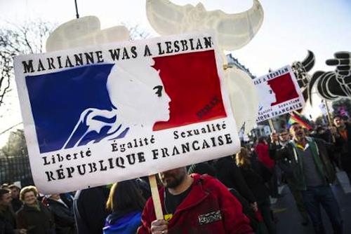 Le nozze gay e l'agenda anti-crisi di Hollande