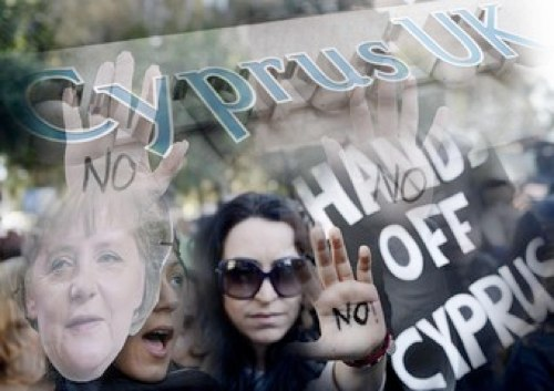 Il complicato salvataggio di Cipro