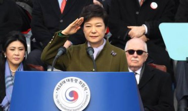 La Corea del Sud pensa alla crescita, il Nord alla guerra