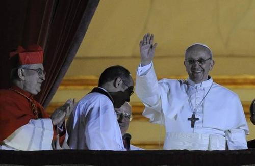 Il nuovo papa è un gesuita francescano