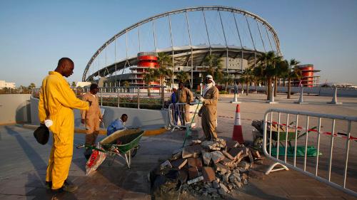 Qatar 2022, gli schiavi (immigrati) valgono un Mondiale