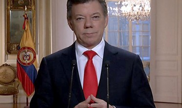 Santos si candida alla presidenza in Colombia e al Nobel per la Pace