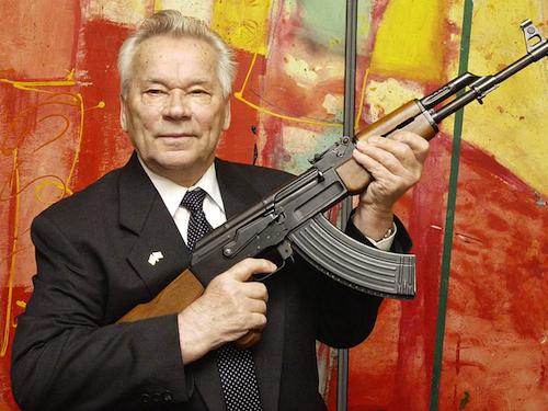 Kalashnikov è morto, lunga vita al Kalashnikov