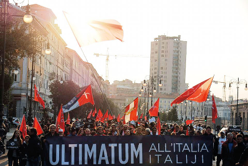 Basta dialogo, il Movimento Trieste Libera passa all'autodifesa dall'Italia