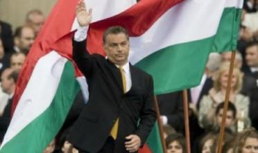 L'Ungheria si fida di Orbán, odiato a Bruxelles e amato a Budapest