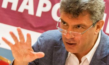 Boris Nemtsov presents his pre-election promises