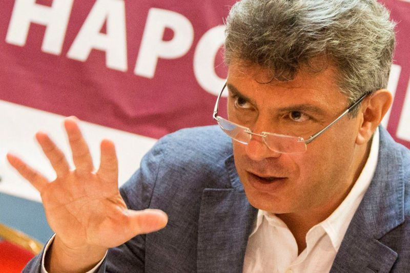 Boris Nemtsov presents his pre-election promises