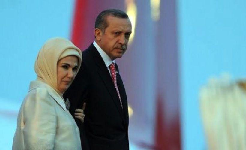 Recep Tayyip ed Emine Erdoğan foto tratta da Formiche.net