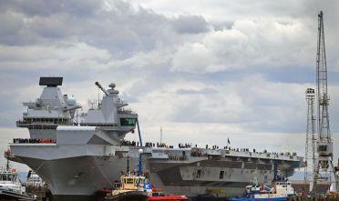 La portaerei Queen Elizabeth, foto di Jeff J. Mitchell/Getty Images