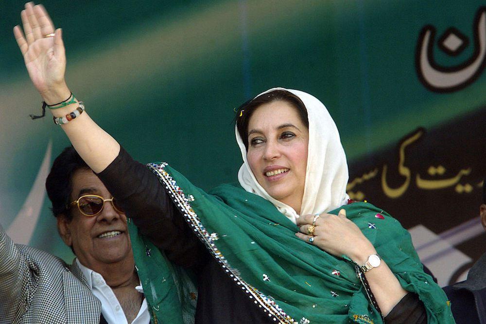 Benazir Bhutto durante una riunione di campagna elettorale a Mirpur Khas, 18 dicembre 2007. Foto: ASIF HASSAN/AFP/Getty Images