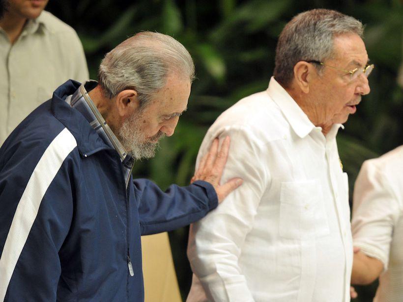 Fidel e Raul Castro, aprile 2011 (Foto: ADALBERTO ROQUE/AFP/Getty Images).