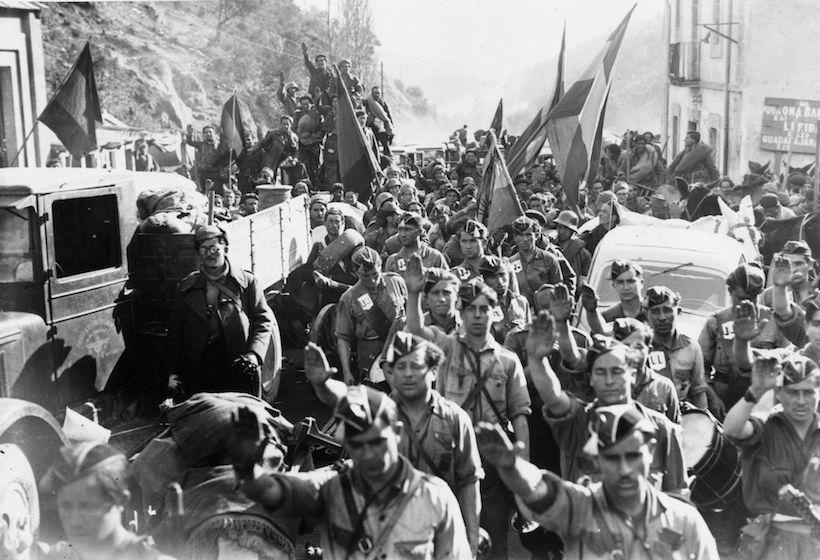 Milizie franchiste durante la guerra civile spagnola, 1936  (Foto: Three Lions/Getty Images).