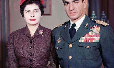 Lo Scià di Persia Muhammad Reza Pahlavi, con la moglie Soraya (Foto Getty Images).