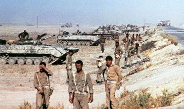 Truppe irachene presso Khorramshahr, nella regione del Khūzestān al confine sud-occidentale tra Iran e Iraq, ottobre 1980 (Foto: AFP/Getty Images).