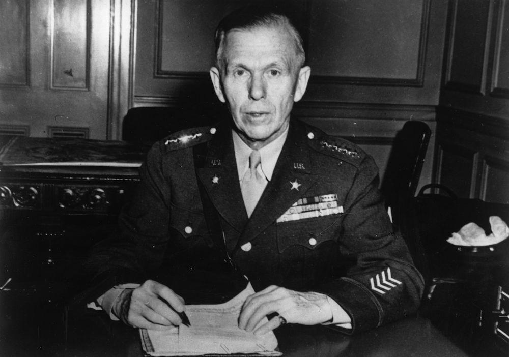 Il generale Usa George Catlett Marshall (1880 - 1959), 1942. (Foto: Keystone/Getty Images).
