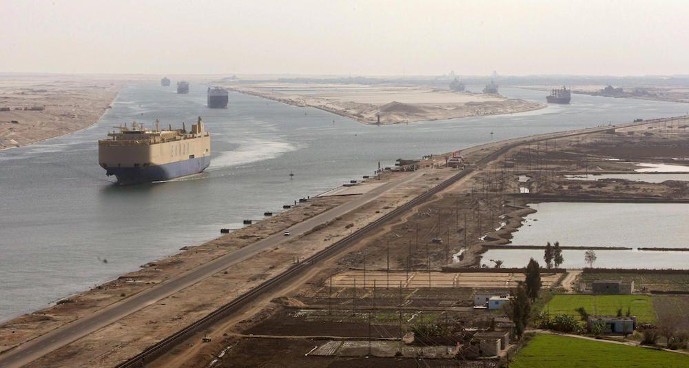 Vista del Canale di Suez oggi. (Foto: CRIS BOURONCLE/AFP/Getty Images).