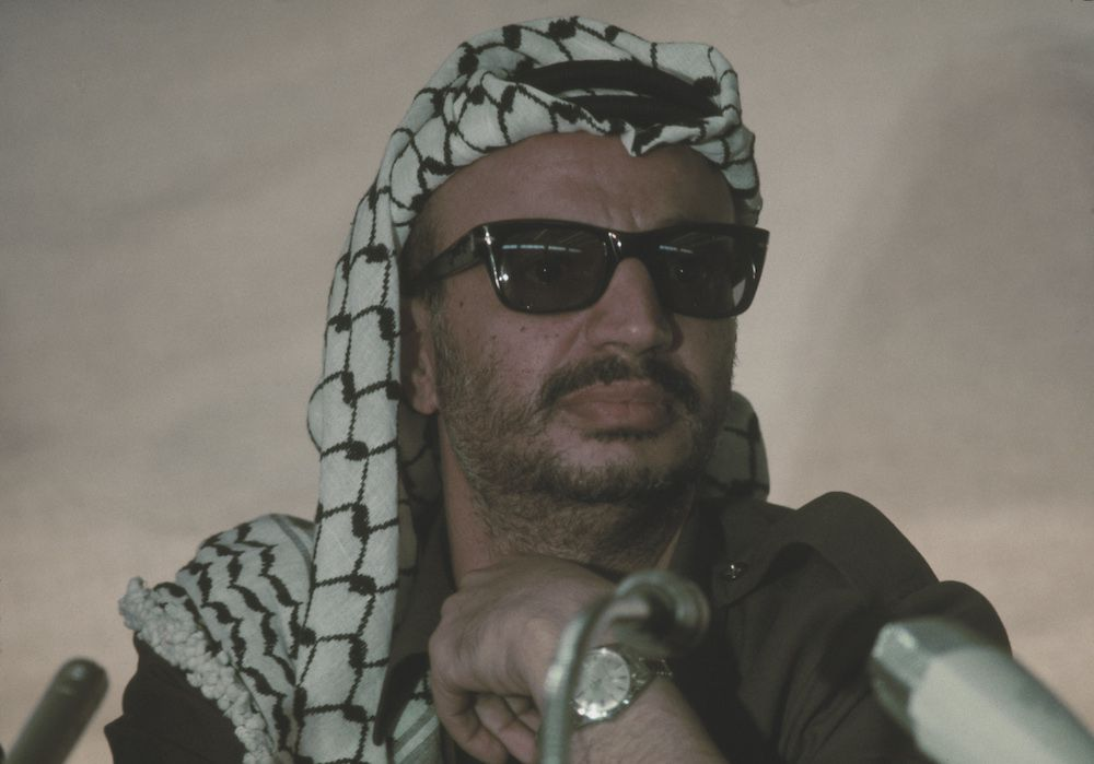 Yasser Arafat durante una visita in Marocco nel 1974.   (Foto: Hulton Archive/Getty Images).