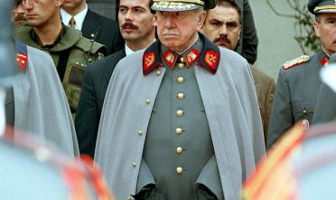 Augusto Pinochet in un'immagine di fine anni Novanta (Foto: CRIS BOURONCLE/AFP/Getty Images).