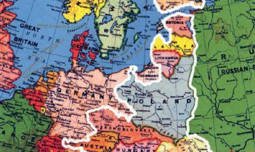 Carta tratta da: Krzysztof Szczerski, Utopia Europejska. Kryzys integracji i polska inicjatywa naprawy. (Utopia europea. La crisi dell'integrazione e l'iniziativa polacca di riparazione). I. Carta dell'Europa tra le due guerre con l'indicazione dei paesi appartenenti all'area cosiddetta dei Tre Mari. Era un progetto sostenuto con decisione dalla Polonia di collaborazione politica, economica e militare tra gli Stati situati tra Baltico, Adriatico e Nero.