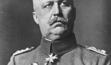 Il generale tedesco Erich Ludendorff (1865 - 1937).  in un'immagine del 1916 (Foto: Hulton Archive/Getty Images).