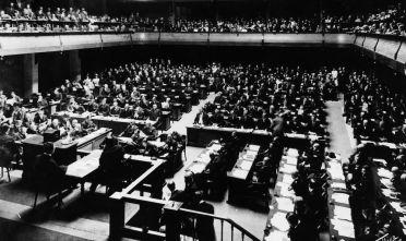 Una seduta della Società delle Nazioni nella sede di Ginevra, settembre 1923. (Foto: Topical Press Agency/Getty Images).