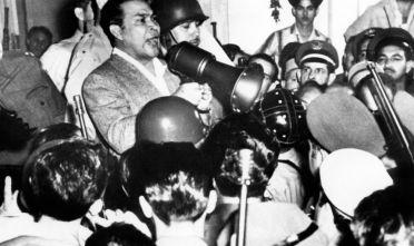 Il dittatore cubano Fulgencio Batista durante il colpo di Stato del 10 marzo 1959 (Foto:  STF/AFP/Getty Images).